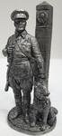 Младший сержант Пограничных войск НКВД с собакой, 1941 г. СССР